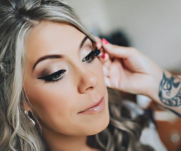 Krissy Vanderwoude Makeup Artist